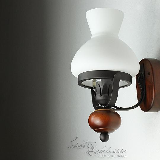 rustikale wandleuchte im landhausstil wandlampe. Black Bedroom Furniture Sets. Home Design Ideas